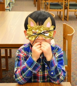 Tae Gyeong in his cat mask
