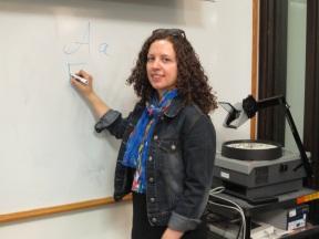 Nellie Manis teaching Russian at Freshman Focus