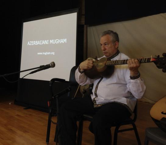 Jeffrey Werbock performing Azerbaijani mugham at Wiley Elementary School in Urbana.